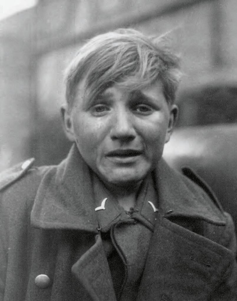 De 16-jarige kindsoldaat Hans-Georg Henke, 27 maart 1945